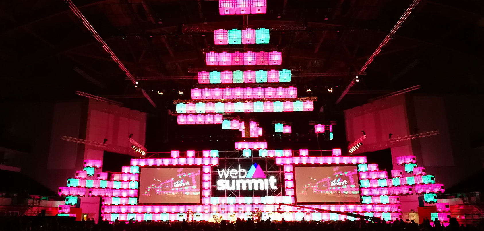 WebSummit_main_stage_2